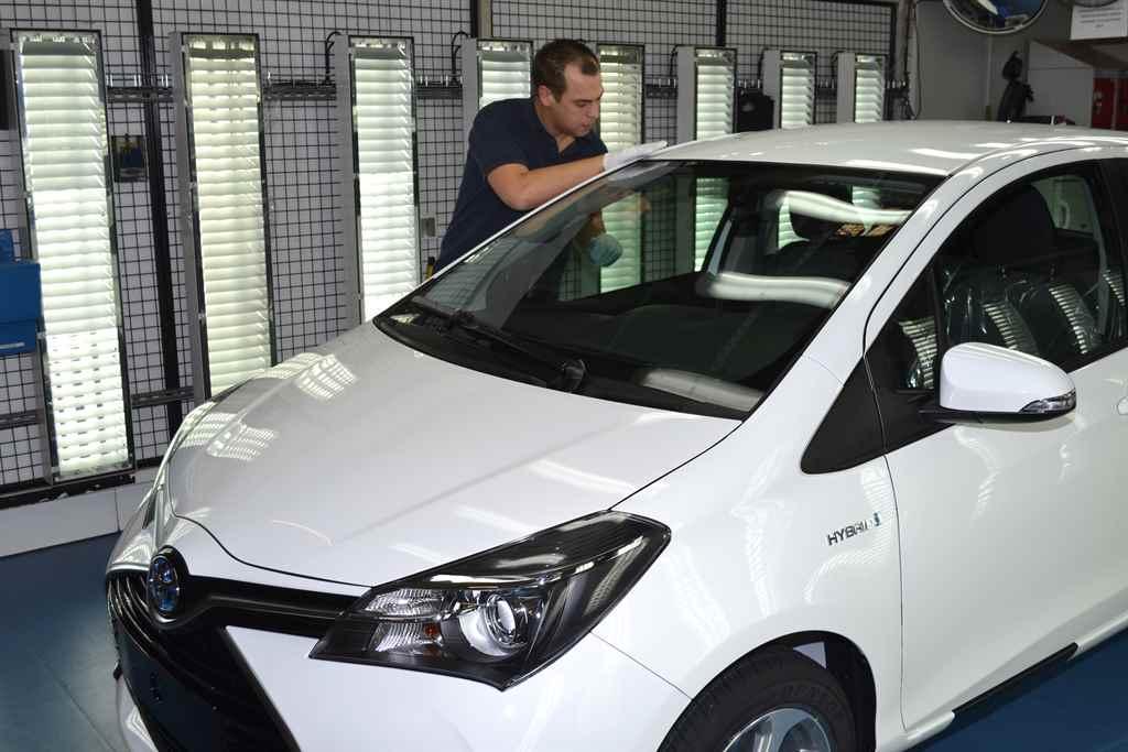 200-ezer-toyota-yaris-hybrid-franciaorszag-autoaddikt