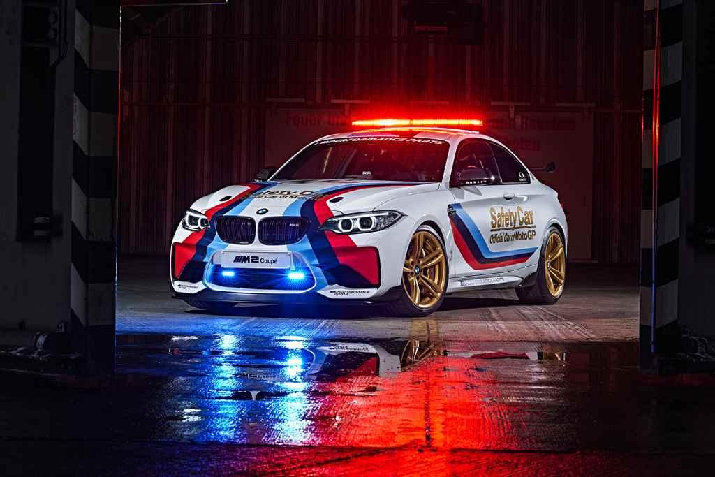 bmw-m2-motogp-safety-car-autoaddikt