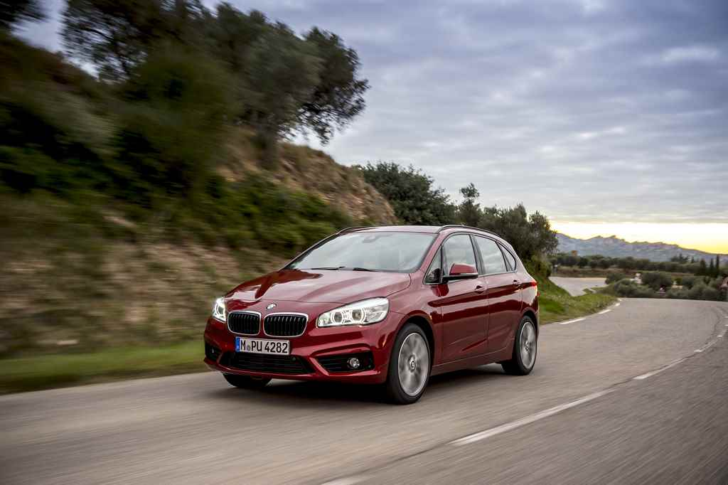 bmw_220d_xdrive_active_tourer