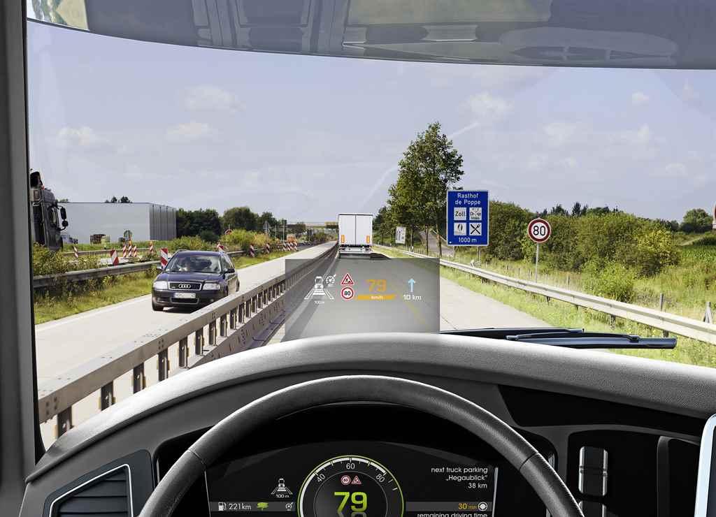 continental-digitalis-szelvedore-vetitheto-kijelzo-teherauto-busz-autoaddikt