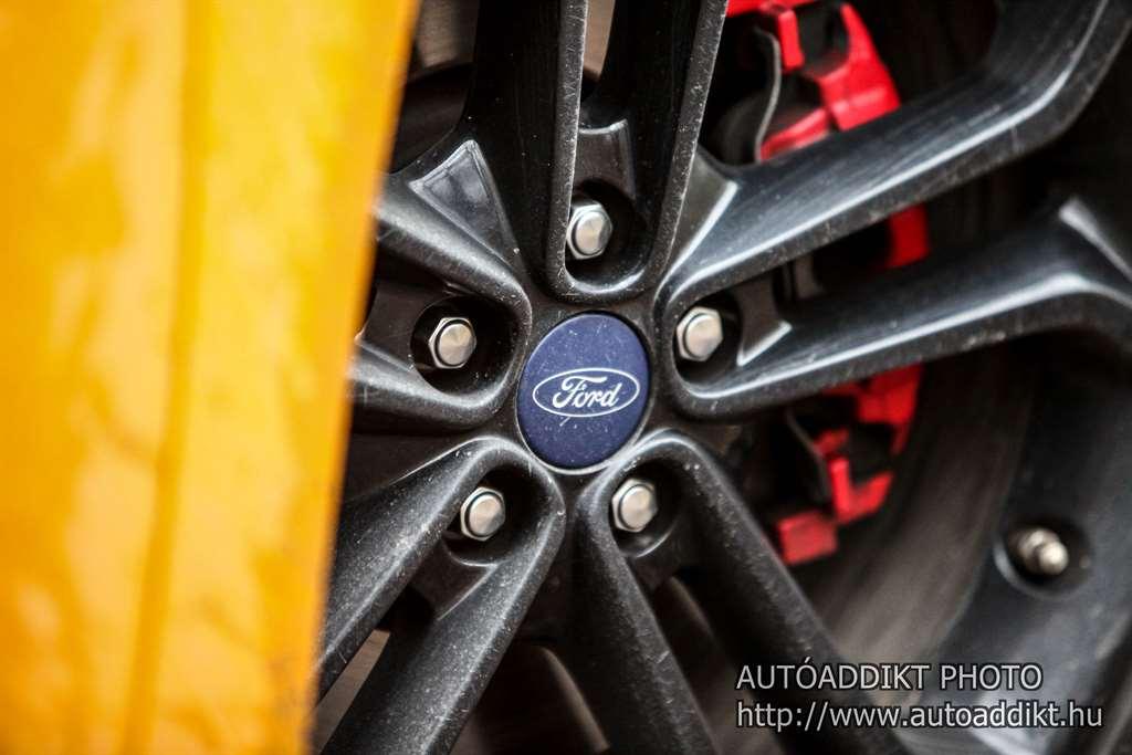 ford-focus-st-2-0-tdci-kombi-teszt-autoaddikt-007
