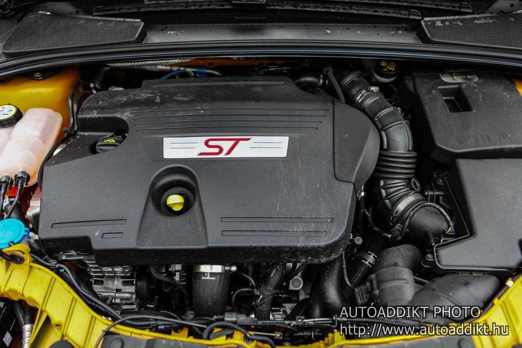 ford-focus-st-2-0-tdci-kombi-teszt-autoaddikt-017
