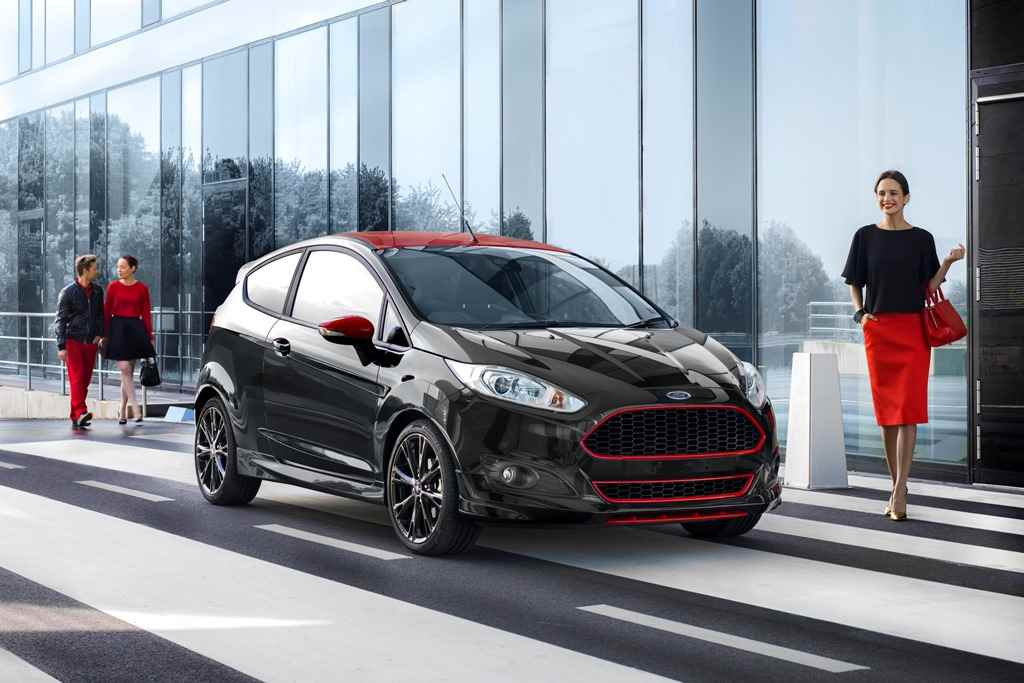 ford_fiesta_red_and_black