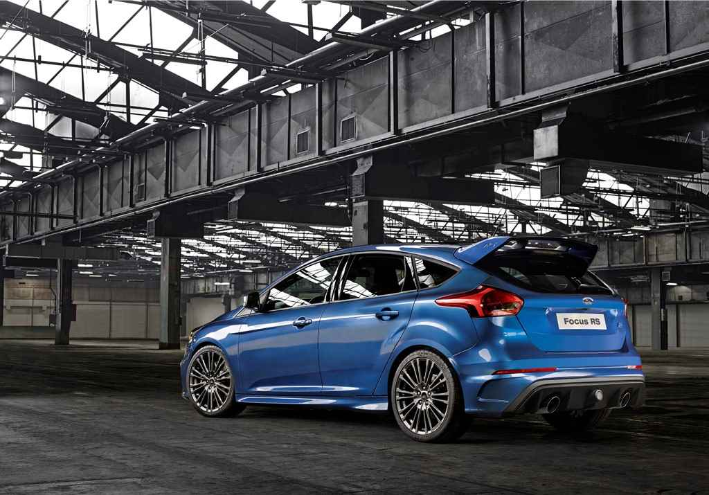 ford_focus_rs_2015_004