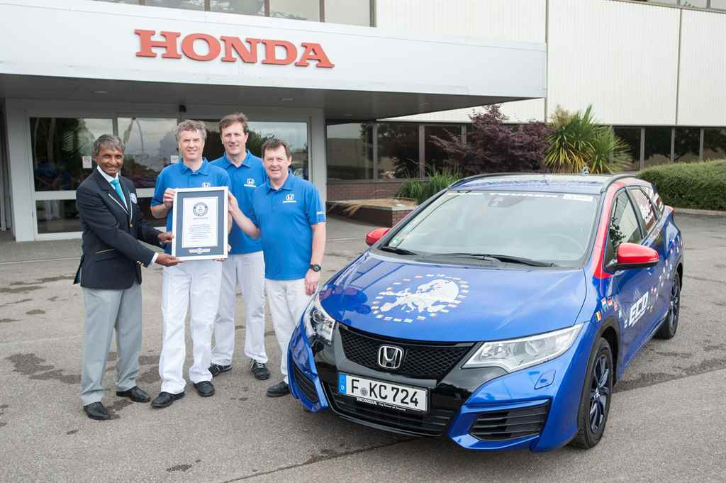 honda_civic_tourer_guiness_world_record_2015_autoaddikt