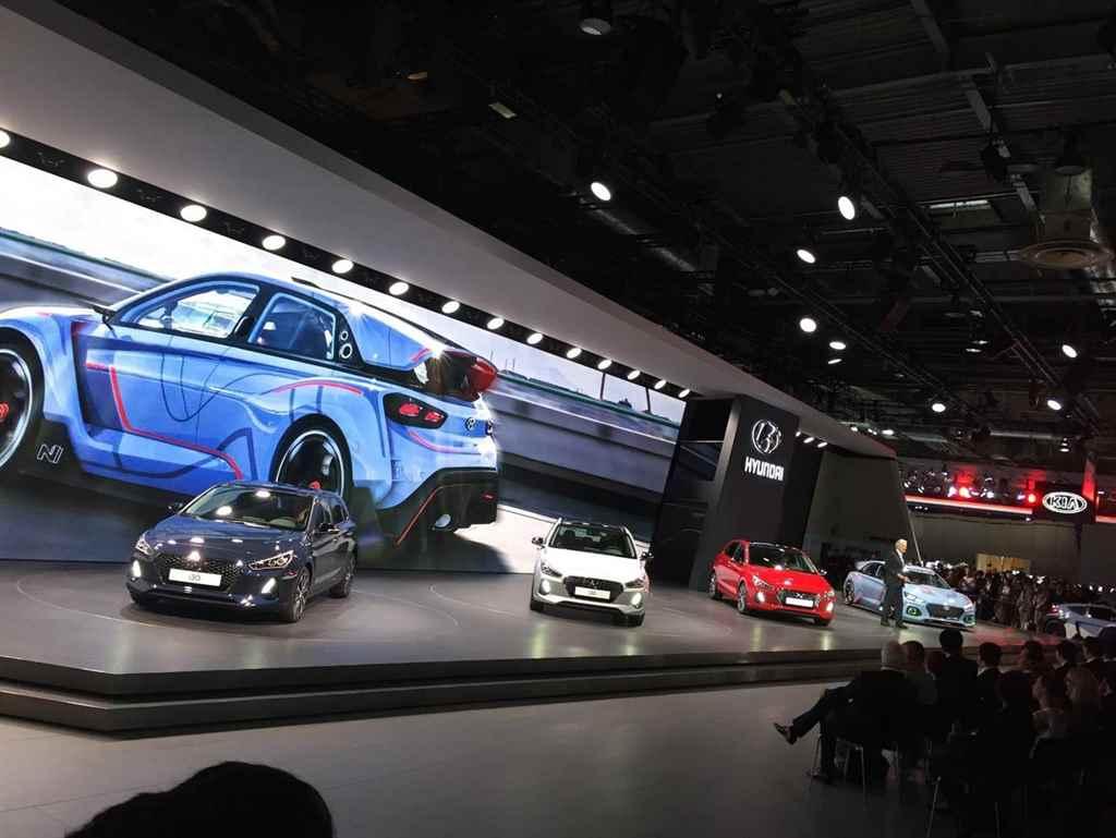 hyundai-i30-parizsi-autoszalon-2016-autoaddikt