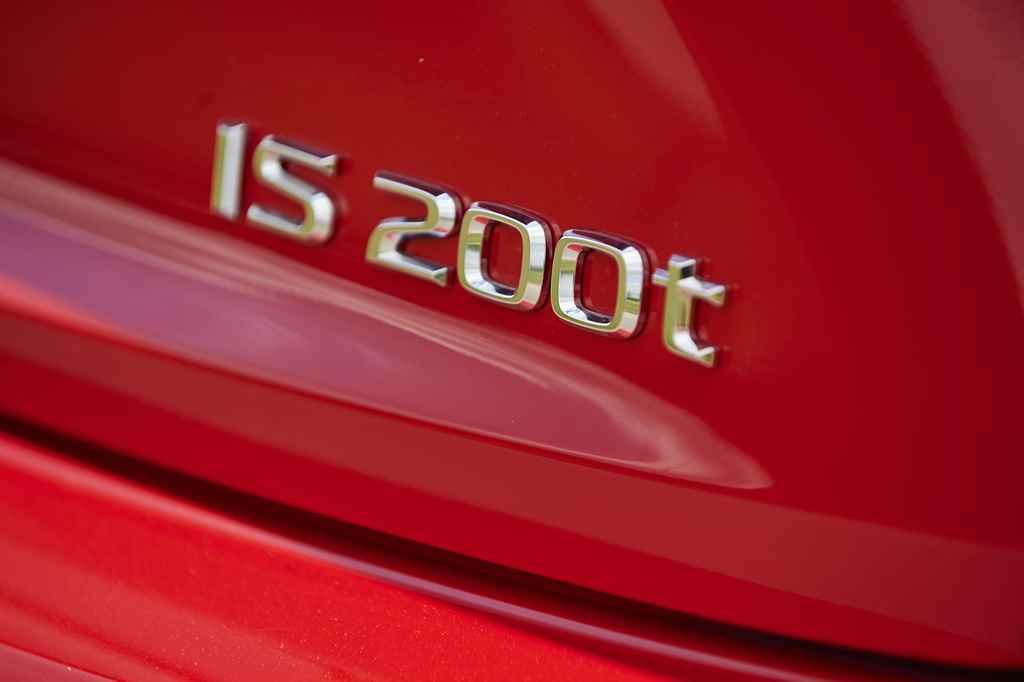 lexus_is_200t_autoaddikt_005