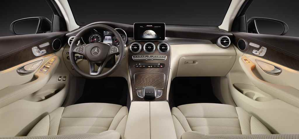 mercedes-benz-glc-coupe-2016-autoaddikt-3