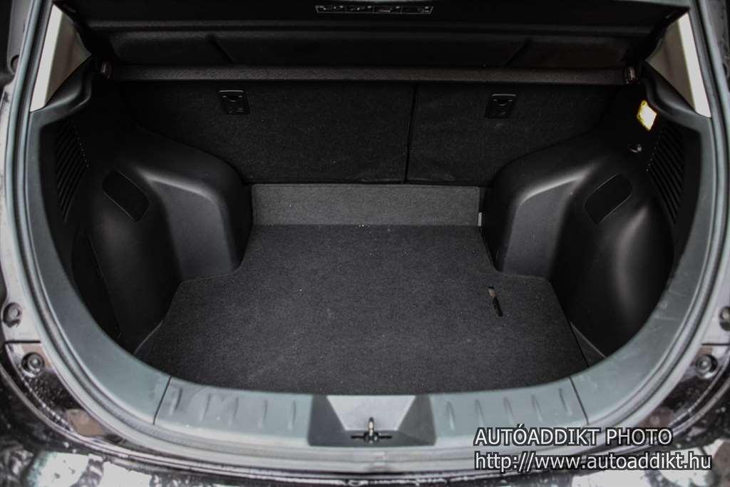 nissan-leaf-24kwh-teszt-autoaddikt-018
