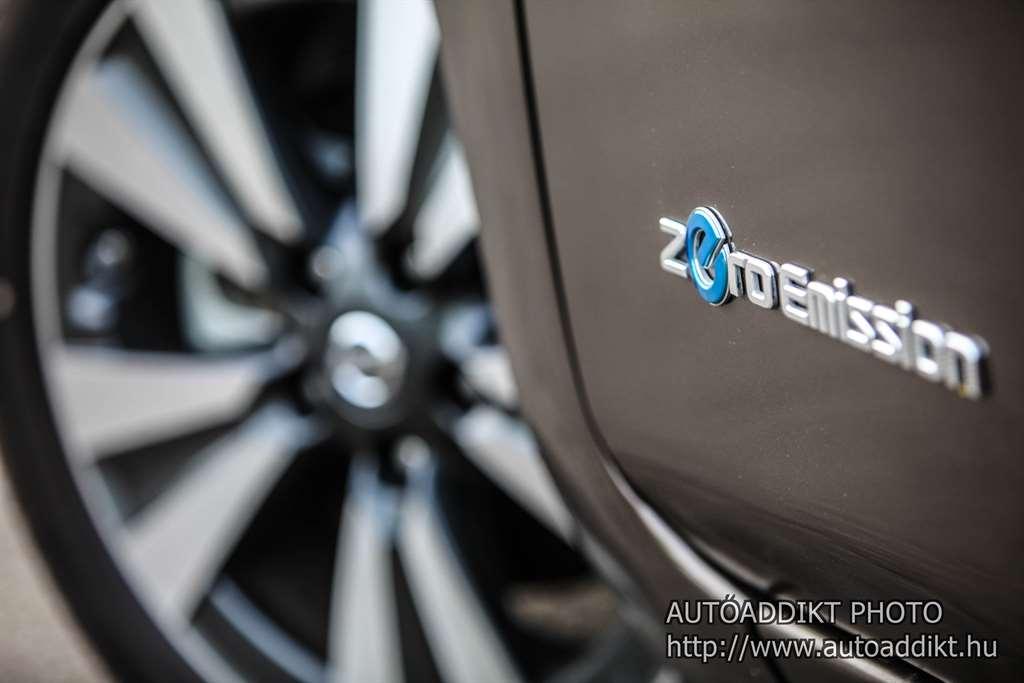 nissan-leaf-30-kwh-teszt-autoaddikt-014