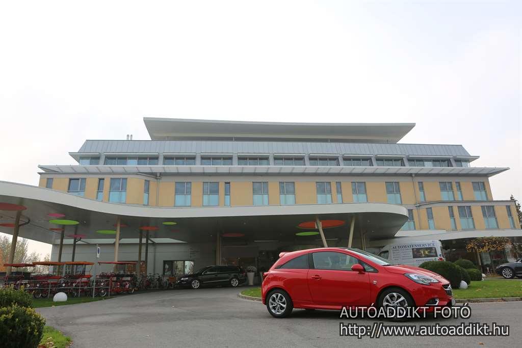 opel-corsa-1-4-turbo-teszt-sonnepark-sonnentherme-autoaddikt-005