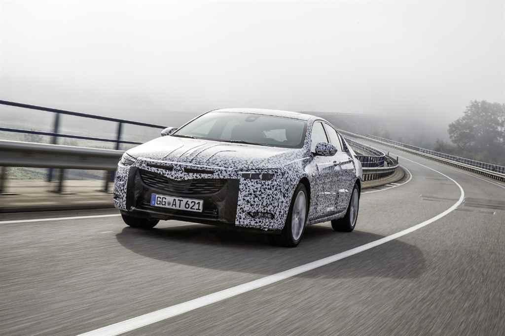 opel-insignia-camouflage-grand-sport-2017-autoaddik-1