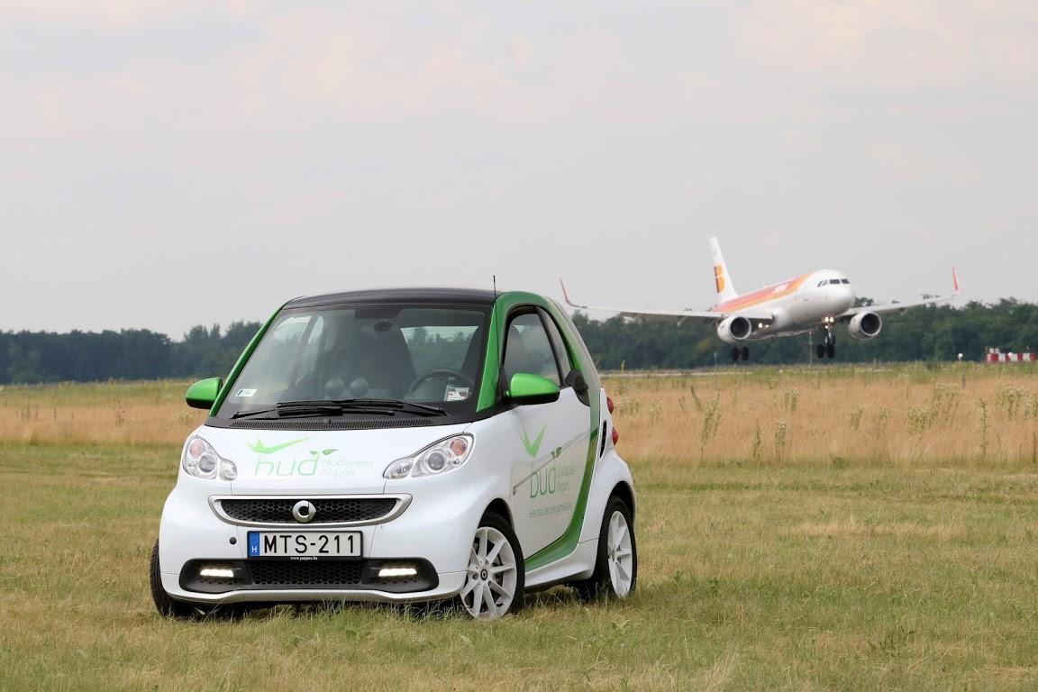 smart_ed_budapest_airport_autoaddikt_002
