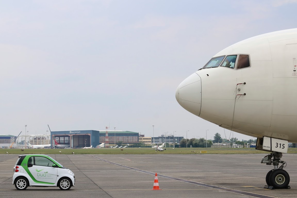 smart_ed_budapest_airport_autoaddikt_003