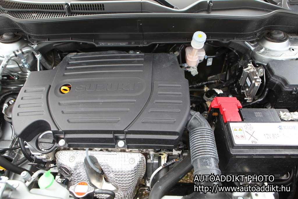 1.6 literes, 120 lóerős benzinmotor. Turbót ne is keressünk
