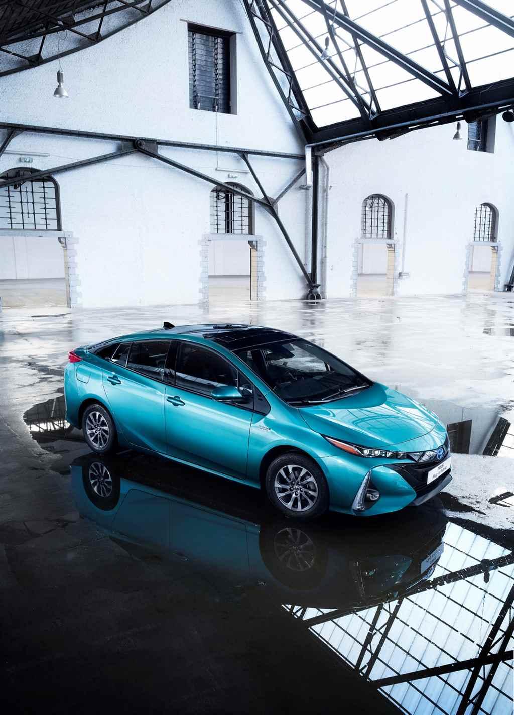 toyota-prius-plug-in-hybrid-2017-autoaddikt