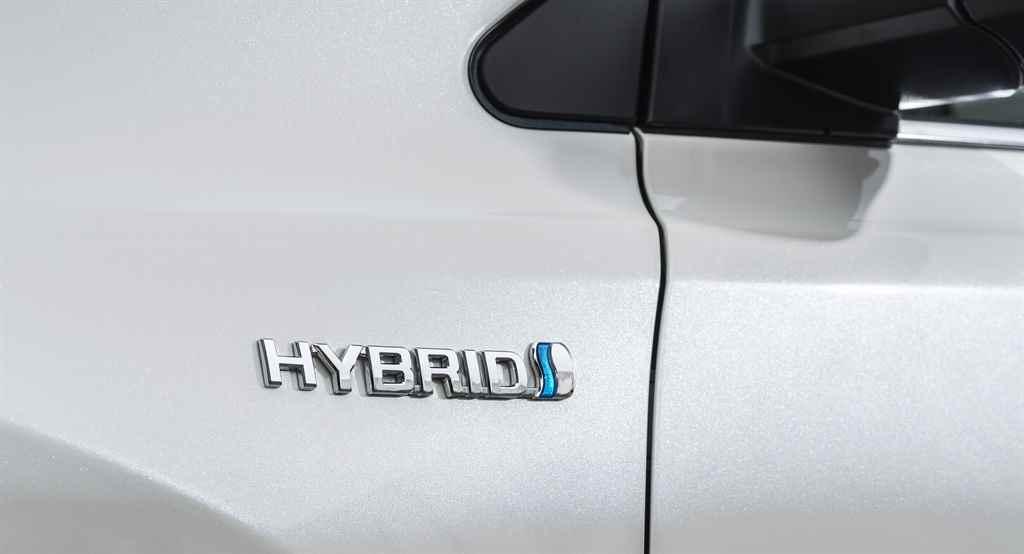 toyota-rav4-hybrid-2016-autoaddikt-005