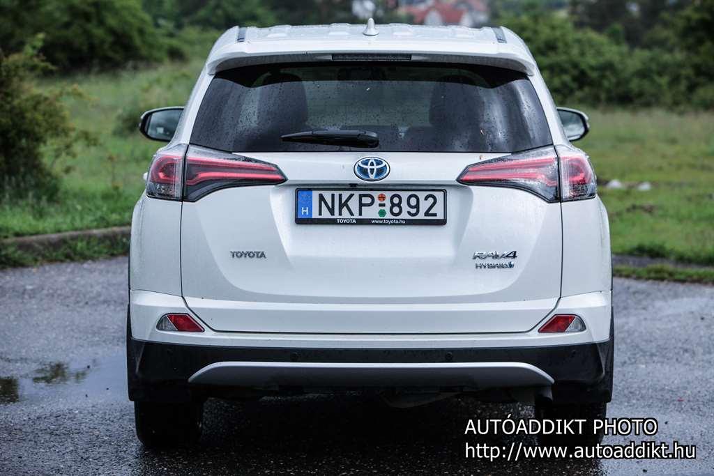 toyota-rav4-hybrid-teszt-autoaddikt-008