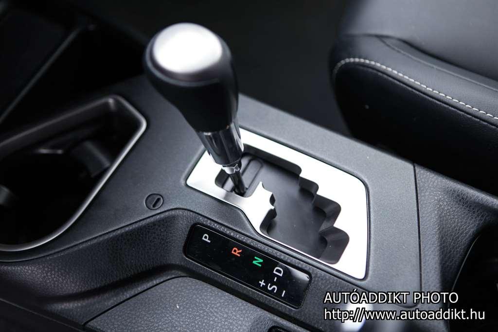 toyota-rav4-hybrid-teszt-autoaddikt-019