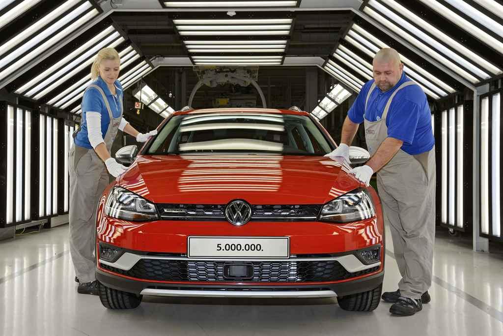 volkswagen-golf-zwickau-25-ev-2016-autoaddikt