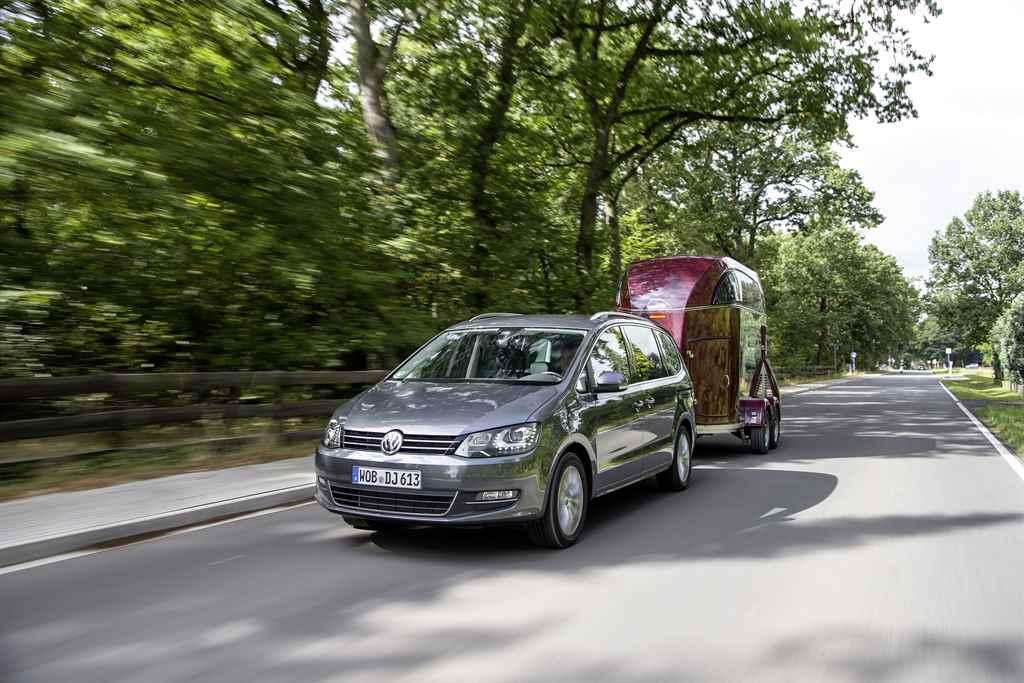 volkswagen-sharan-csucsmotor-autoaddikt-2016